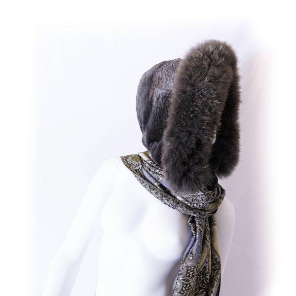 Capuche gris foncé